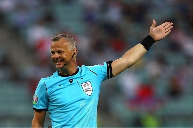 Trọng tài Bjorn Kuipers bắt chính trận đấu giữa Italia và Anh