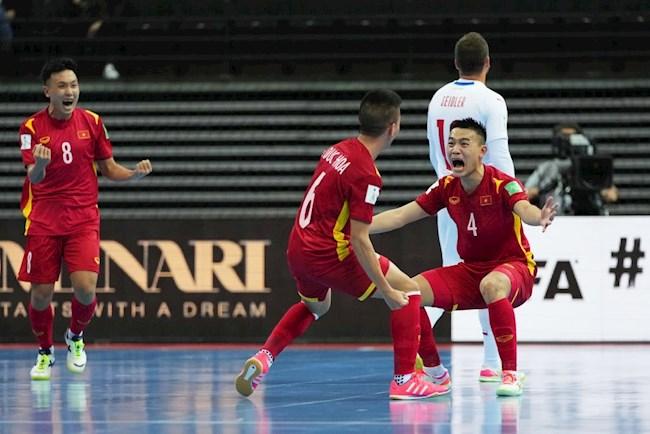 VIDEO: Bàn thắng quý hơn vàng giúp ĐT Futsal Việt Nam đi tiếp
