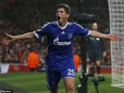 "Schalke anh dung ""keo sap"" phao dai Emirates cua Arsenal"
