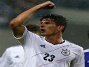 Xe tang Duc khep lai giai doan chuan bi cho Euro 2012 bang chien thang nhe nhang 2-0