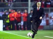 Arsenal huong den dai chien voi M.U: Dap do nha hat de xay trieu dai  Wenger de tu