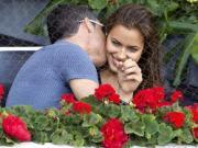 Bồ Ronaldo: Chuyện cởi, chuyện yêu & chuẩn mực Tứ đức