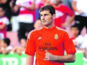 Ngoi du bi ca nam, Casillas van nhan de cu cua FIFA