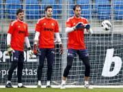 """Van de """"so 1"""" cua Real Madrid: Diego Lopez hay Iker Casillas?"""