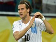 Forlan lap cong giup Uruguay danh bai Nigeria