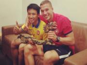"""Running Man"" sang Emirates: Chieu bai khon ngoan cua Arsene Wenger"