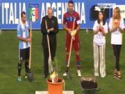 Nghi lễ đặc biệt trước trận Italia - Argentina