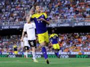 Tottenham va Swansea dai thang tai Europa League