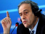 "Michel Platini: ""FIFA da tiep tay cho C.Ronaldo doat Qua bong vang"""