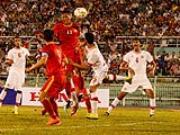 HLV Miura chê cầu thủ Việt Nam đá rườm rà