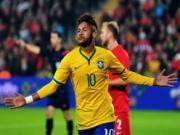 Brazil dai thang, Neymar duoc dip no tung bung