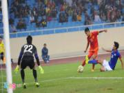 DT Viet Nam 3-1 DT Malaysia: Thang nguoc trong the hon nguoi
