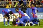 Video bàn thắng: Levante 2-1 Valencia (Vòng 12 La Liga)