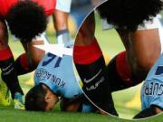 FA sẽ không phạt Fellaini vì nhổ nước bọt vào Aguero