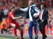 Mourinho lai xoay vao noi dau cua Gerrard khi nhac lai chuyen cu