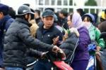 """Gia ve tran Viet Nam vs Malaysia duoc dan phe """"het"""" len 2 trieu dong/cap"""