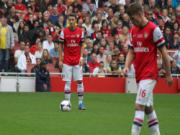 Nhac truong Arsenal run so truoc nanh Hum