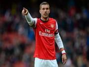 Sanchez và Chamberlain cùng toả sáng: Dấu chấm hết cho Podolski