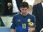 Messi buon ba nhan Qua bong vang World Cup 2014