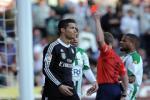 """Chinh thuc: Ronaldo """"ngoi choi xoi nuoc"""" 2 tran can toi danh nguoi"""