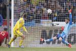 Hai pha cứu thua bằng chân tuyệt đỉnh của thủ môn De Gea