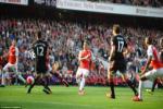 Dàn sao M.U đã khờ khạo ra sao ở trận thua nhục Arsenal