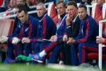 HLV Van Gaal nói gì sau trận thua muối mặt của M.U trên sân Emirates?