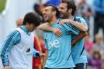 Cazorla không ngừng trêu chọc Mata về thất bại bẽ mặt của M.U trước Arsenal