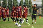 FIFA từ chối đổi lịch, thầy trò HLV Miura buộc phải phân thân