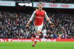Sao Arsenal muon vuot mat Messi va Ronaldo gianh Qua bong vang
