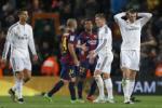 Real thua El Clasico: Đứng lên hay đứng bên?