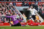 """Carragher mạnh miệng: """"Liverpool là CLB lớn nhất nước Anh!"""""""