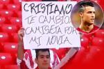 Fan đề nghị Cristiano Ronaldo đổi... bạn gái lấy áo đấu