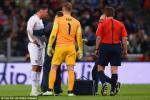 Smalling chấn thương: Công thức chiến thắng của Van Gaal liệu có bị ảnh hưởng?