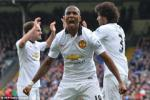 Ashley Young tin MU se co danh hieu o mua giai 2015-2016