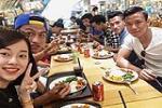 Ban gai hot girl sang Singapore tiep lua cho tuyen thu Mac Hong Quan