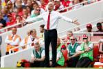 HLV Wenger xác nhận Arsenal đang theo đuổi một tiền đạo
