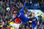 Truoc tran Man City vs Chelsea: Hay dung Kurt Zouma de ngan chan Yaya Toure