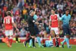 Wenger canh bao tan binh dat gia cua Arsenal ve thai do thi dau