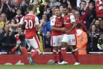 Goc Arsenal: Khi Walcott huong loi tu Alexis Sanchez