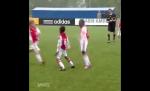 Dàn sao nhí Ajax bắt chước cách ăn mừng của Ronaldo