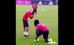 Ribery dạy đàn em ở Bayern Munich cách ăn mừng kiểu Pogba