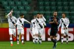Legia 3-3 Real: Co mot Zidane Madrid vo to chuc chua tung thay