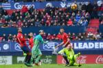 Du am Osasuna 0-3 Barca: Song bang hoi tho Messi