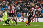 Thua nhục Sunderland, đội trưởng Rooney chính thức giương cờ trắng