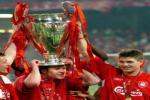 Đó là Alonso, Xabi Alonso trong màu áo Đỏ!