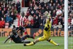 Dư âm Southampton 3-2 Liverpool: Cái giá của sự chủ quan