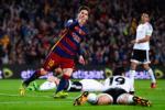 Messi lap sieu thanh tich trong ngay buon cua Barca