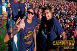 CLB Barcelona dieu hanh tung bung mung chuc vo dich La Liga 2015/2016