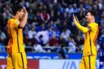 "Suarez do danh Messi sau khi cuop ""vai chinh"" tai Barca"